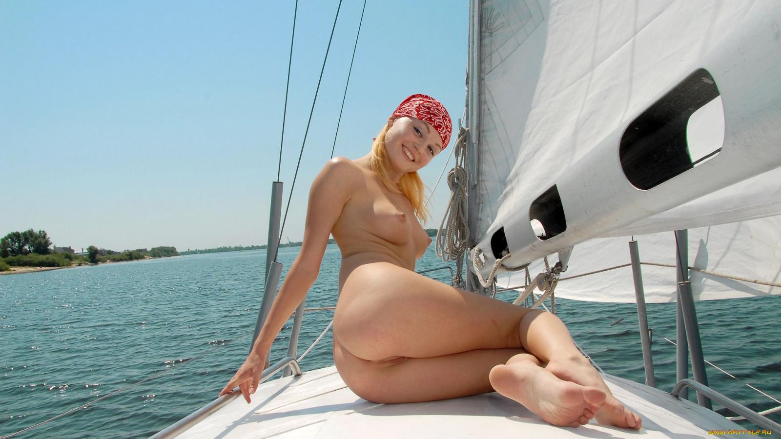 порно на яхте hd